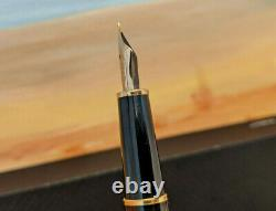 Vintage MONTBLANC Meisterstuck Classique 144 Fountain Pen, 14K Gold Nib